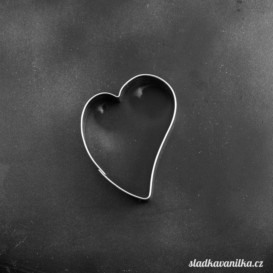 Vykrajovátko křivé srdce