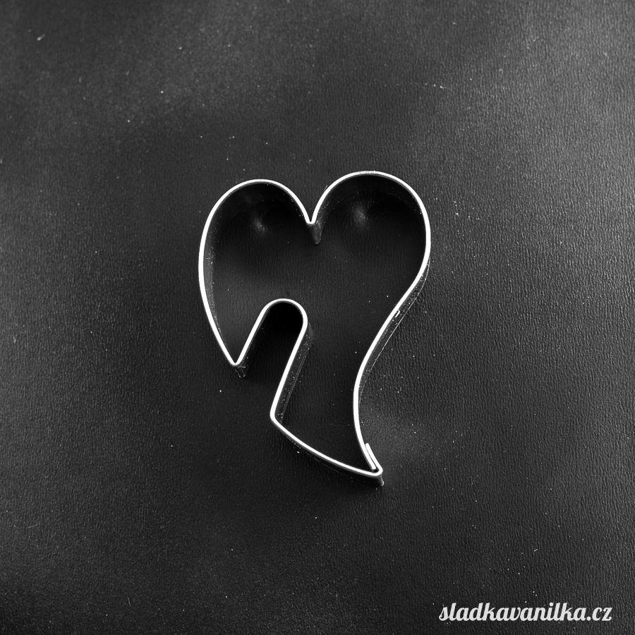 Vykrajovátko nepravidelné srdce na hrnek