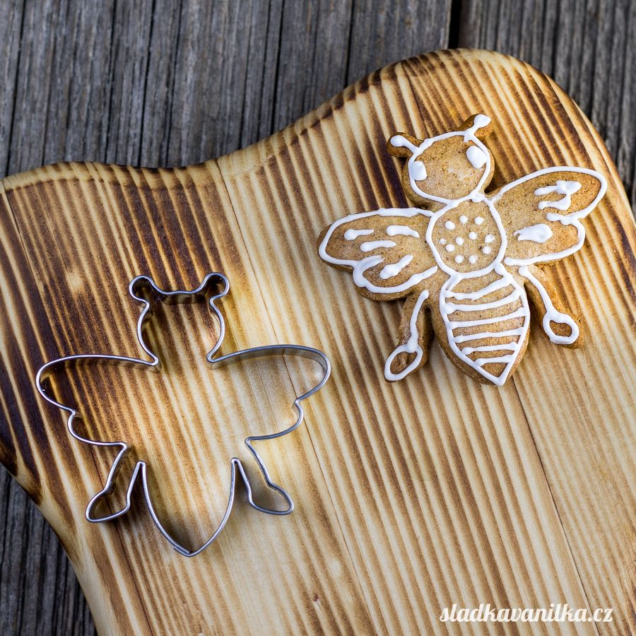 Vykrajovátko včela