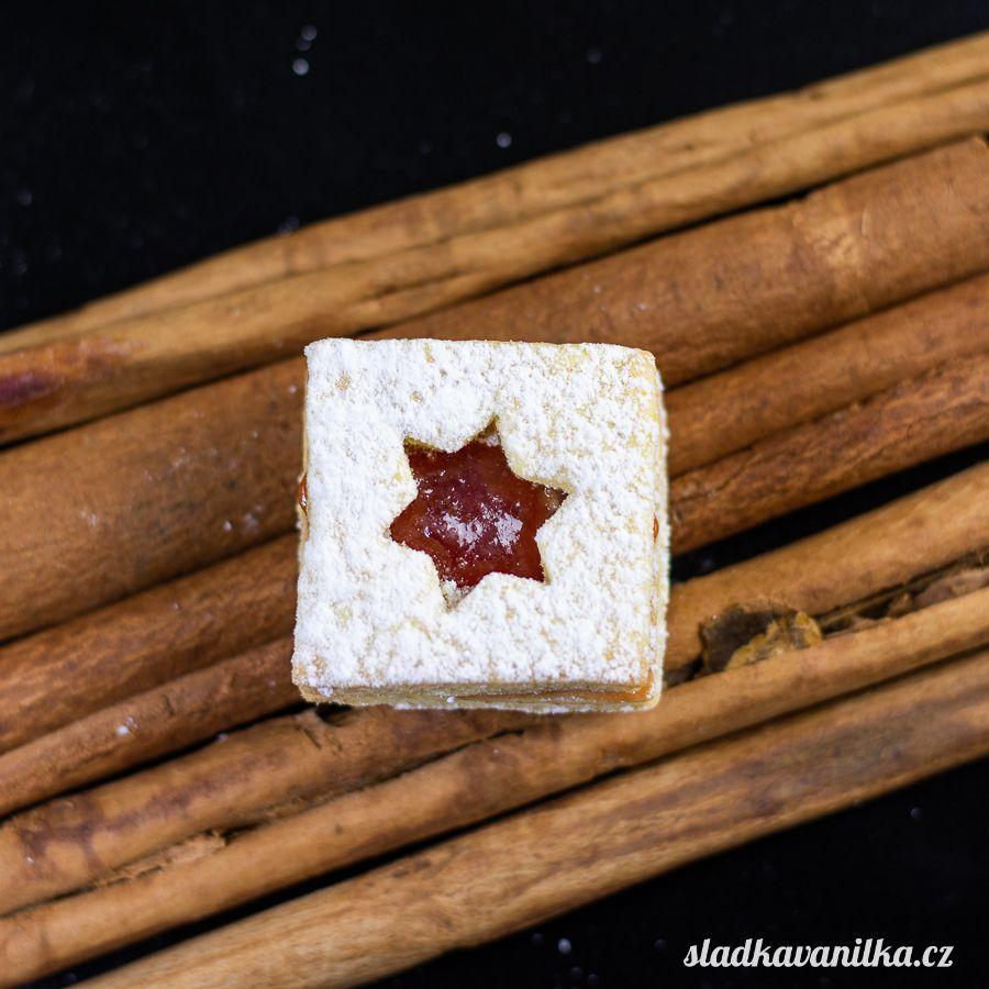 Vykrajovátko čtverec s hvězdičkou
