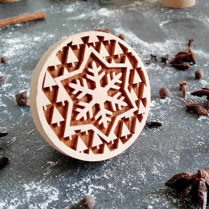 Razítko na sušenky - sněhová vločka se stromečky