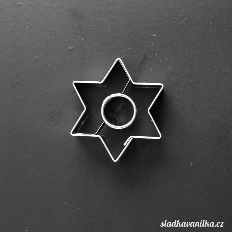 Vykrajovátko hvězda s kolečkem