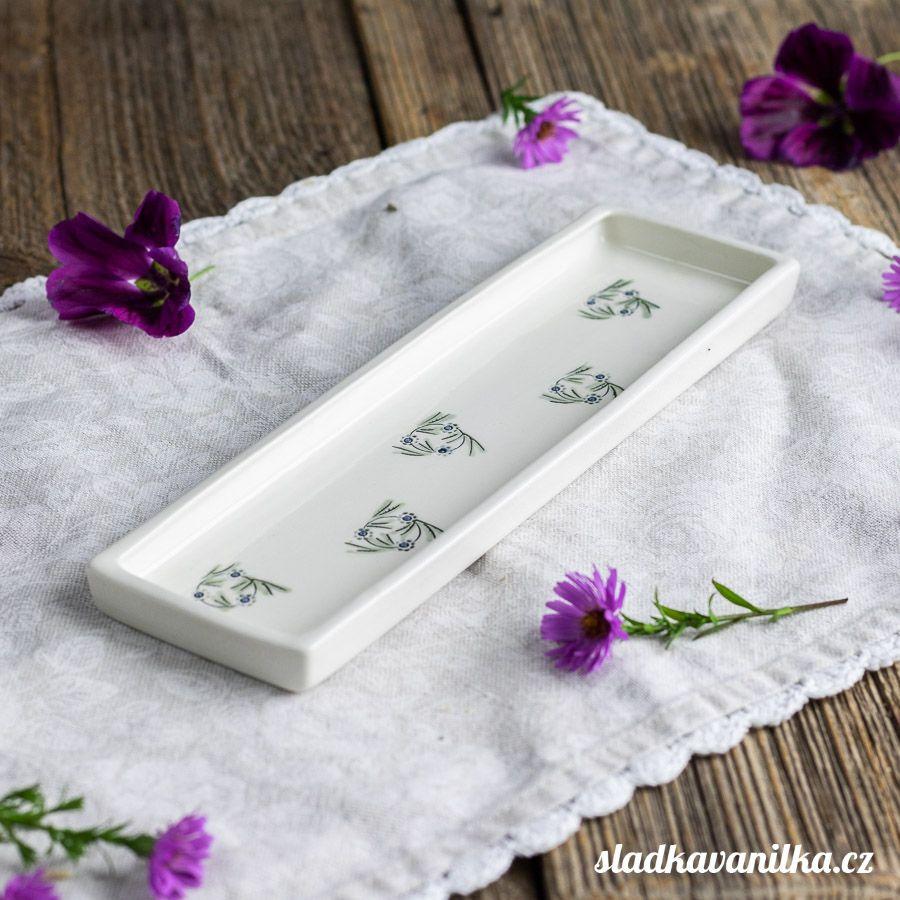 Porcelánový servírovací tácek - věneček